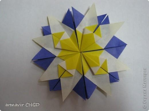 """Первая группа делала модули """"Шаттлл"""" и собрала на клей звезду из 8 модулей. фото 4"""
