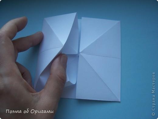 В качестве символа 2011 год делят между собой два животного китайского календаря. Видимо, это не простое совпадение, ведь у них и правда много общего. Оба с кротким нравом и пушистой шубкой.  Этого кролика придумал Стефан О`Хонор, а котика – Джо Накашима.  Подставка в форме четырех сердец – модель Френсиса Оу. Вся композиция сложена из квадратов одинакового размера(2 красных и 2 белых), в данном случае 20х20см. Как сложить из полос бумаги цифры – можете вспомнить в этом МК: https://stranamasterov.ru/node/127038 фото 25