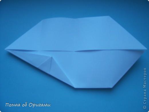 В качестве символа 2011 год делят между собой два животного китайского календаря. Видимо, это не простое совпадение, ведь у них и правда много общего. Оба с кротким нравом и пушистой шубкой.  Этого кролика придумал Стефан О`Хонор, а котика – Джо Накашима.  Подставка в форме четырех сердец – модель Френсиса Оу. Вся композиция сложена из квадратов одинакового размера(2 красных и 2 белых), в данном случае 20х20см. Как сложить из полос бумаги цифры – можете вспомнить в этом МК: http://stranamasterov.ru/node/127038 фото 33