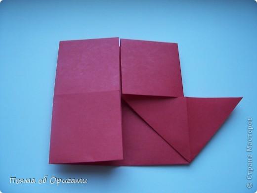 В качестве символа 2011 год делят между собой два животного китайского календаря. Видимо, это не простое совпадение, ведь у них и правда много общего. Оба с кротким нравом и пушистой шубкой.  Этого кролика придумал Стефан О`Хонор, а котика – Джо Накашима.  Подставка в форме четырех сердец – модель Френсиса Оу. Вся композиция сложена из квадратов одинакового размера(2 красных и 2 белых), в данном случае 20х20см. Как сложить из полос бумаги цифры – можете вспомнить в этом МК: https://stranamasterov.ru/node/127038 фото 5