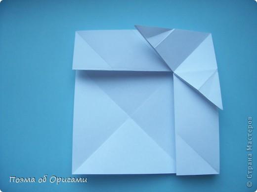 В качестве символа 2011 год делят между собой два животного китайского календаря. Видимо, это не простое совпадение, ведь у них и правда много общего. Оба с кротким нравом и пушистой шубкой.  Этого кролика придумал Стефан О`Хонор, а котика – Джо Накашима.  Подставка в форме четырех сердец – модель Френсиса Оу. Вся композиция сложена из квадратов одинакового размера(2 красных и 2 белых), в данном случае 20х20см. Как сложить из полос бумаги цифры – можете вспомнить в этом МК: https://stranamasterov.ru/node/127038 фото 61