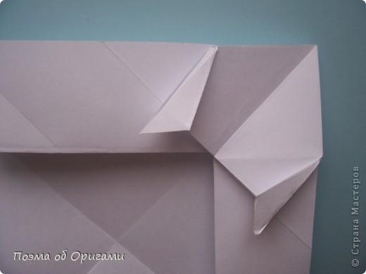 В качестве символа 2011 год делят между собой два животного китайского календаря. Видимо, это не простое совпадение, ведь у них и правда много общего. Оба с кротким нравом и пушистой шубкой.  Этого кролика придумал Стефан О`Хонор, а котика – Джо Накашима.  Подставка в форме четырех сердец – модель Френсиса Оу. Вся композиция сложена из квадратов одинакового размера(2 красных и 2 белых), в данном случае 20х20см. Как сложить из полос бумаги цифры – можете вспомнить в этом МК: https://stranamasterov.ru/node/127038 фото 63