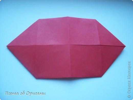 В качестве символа 2011 год делят между собой два животного китайского календаря. Видимо, это не простое совпадение, ведь у них и правда много общего. Оба с кротким нравом и пушистой шубкой.  Этого кролика придумал Стефан О`Хонор, а котика – Джо Накашима.  Подставка в форме четырех сердец – модель Френсиса Оу. Вся композиция сложена из квадратов одинакового размера(2 красных и 2 белых), в данном случае 20х20см. Как сложить из полос бумаги цифры – можете вспомнить в этом МК: https://stranamasterov.ru/node/127038 фото 7