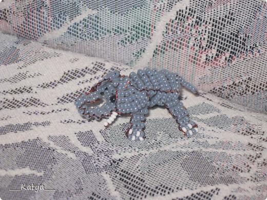 28 июн 2012 Перед вами схема плетения из бисера слонёнка.  Чтобы его сделать, нужно иметь в наличии...