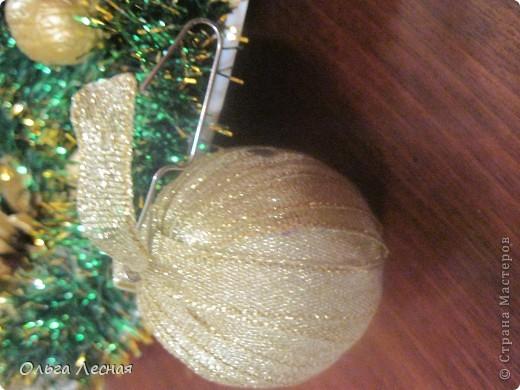 """Вот такой подарок приготовила нам с мужем дочка на новый год. Шишки и грецкие орехи покрасила краской. Краска из старых запасов и на ней уже нет """"опознавательных знаков"""", но она без запаха и быстро сохнет и хорошо ложится на поверхность. Лаком не покрывала. фото 2"""