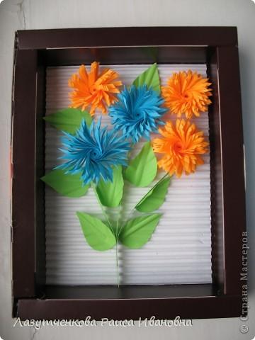 """Корзина с цветами. По книге Светланы Букиной """"Квиллинг: волшебство бумажных завитков"""" фото 4"""