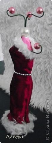 Вешалка  для  платьев  куклы. фото 2
