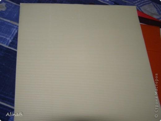Вот такая гофрированая бумага и картон.Гофрированая бумага очень гибкая и из нее хорошо делать цветы(скоро выложу). фото 16
