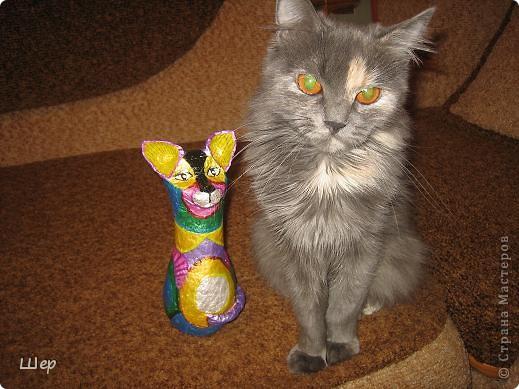Кошка из папье-маше. Акриловые краски. фото 4