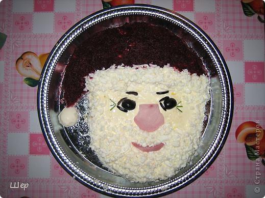 "Праздничный салат ""Дед Мороз"""