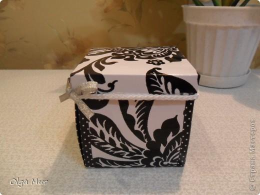 Таких чудных коробочек-сюрпризов много на http://alenyswka.blogspot.com/search/label/Коробочка-сюрприз  и на http://zavitoc.blogspot.com/  фото 1