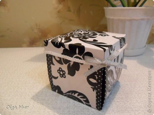 Таких чудных коробочек-сюрпризов много на http://alenyswka.blogspot.com/search/label/Коробочка-сюрприз  и на http://zavitoc.blogspot.com/  фото 2