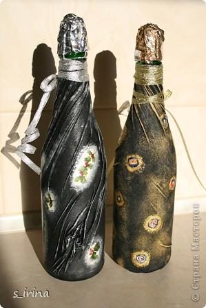 Уже наступил Новый год, но собиралась к родне в гости и решила попробовать как же будет с тканью выглядеть бутылка.  фото 2