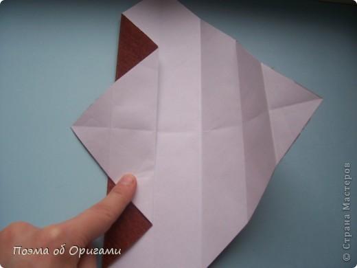 Этому мишке, трепетно прижимающего к себе большое красное сердце без труда удасться передать нежность влюбленного сердца. Для коробочки потребуется два квадрата одинакового размера (в данном случае 20х20см): для медведя - один квадрат, такого же размера, как и для коробки. Дополнительно потребуется квадрат 1/4 от такой величины. фото 33
