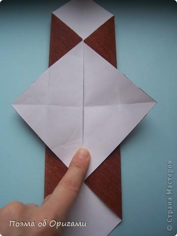 Этому мишке, трепетно прижимающего к себе большое красное сердце без труда удасться передать нежность влюбленного сердца. Для коробочки потребуется два квадрата одинакового размера (в данном случае 20х20см): для медведя - один квадрат, такого же размера, как и для коробки. Дополнительно потребуется квадрат 1/4 от такой величины. фото 34