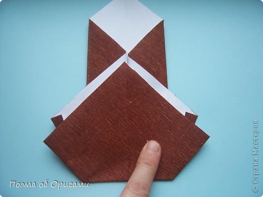 Этому мишке, трепетно прижимающего к себе большое красное сердце без труда удасться передать нежность влюбленного сердца. Для коробочки потребуется два квадрата одинакового размера (в данном случае 20х20см): для медведя - один квадрат, такого же размера, как и для коробки. Дополнительно потребуется квадрат 1/4 от такой величины. фото 39