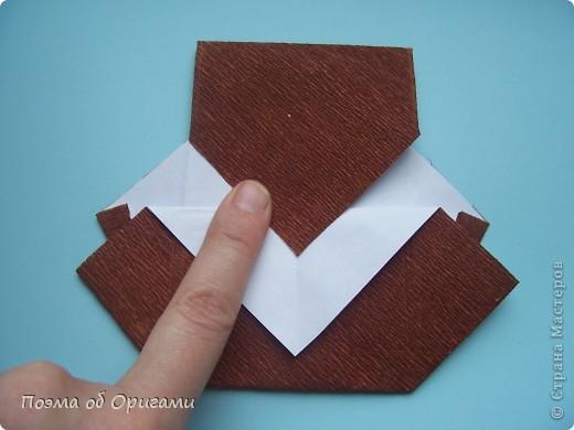 Этому мишке, трепетно прижимающего к себе большое красное сердце без труда удасться передать нежность влюбленного сердца. Для коробочки потребуется два квадрата одинакового размера (в данном случае 20х20см): для медведя - один квадрат, такого же размера, как и для коробки. Дополнительно потребуется квадрат 1/4 от такой величины. фото 41