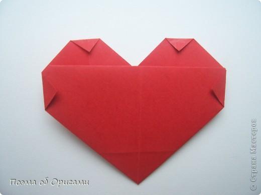 Этому мишке, трепетно прижимающего к себе большое красное сердце без труда удасться передать нежность влюбленного сердца. Для коробочки потребуется два квадрата одинакового размера (в данном случае 20х20см): для медведя - один квадрат, такого же размера, как и для коробки. Дополнительно потребуется квадрат 1/4 от такой величины. фото 53