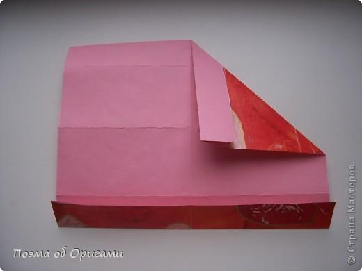 Этому мишке, трепетно прижимающего к себе большое красное сердце без труда удасться передать нежность влюбленного сердца. Для коробочки потребуется два квадрата одинакового размера (в данном случае 20х20см): для медведя - один квадрат, такого же размера, как и для коробки. Дополнительно потребуется квадрат 1/4 от такой величины. фото 9
