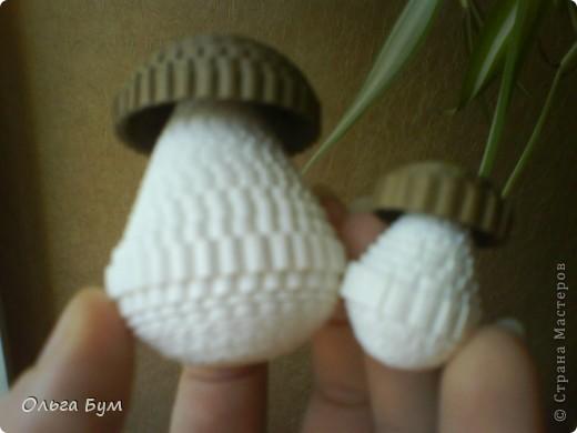 Корзиночка с грибами из гофрокартона.  фото 12