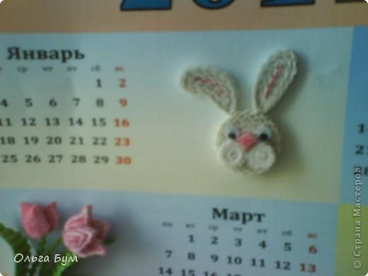 Новогодний календарь, укашенный в технике квиллинг из гофрокартона. К каждому месяцу своя картинка и получается вот такая радось!  фото 2