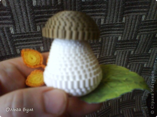 Корзиночка с грибами из гофрокартона.  фото 7