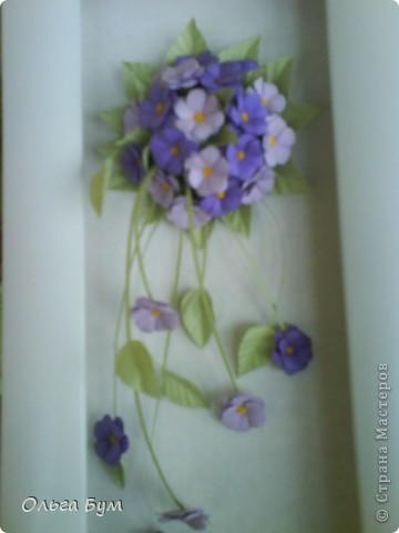 Учебная работа. Тоже нежная, поэтому нравится. На фоне моих любимых домашних цветов. (Фото искажает цвет - на самом деле букетик двух оттенков сиреневого.) фото 2