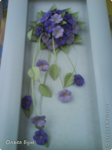 Учебная работа. Тоже нежная, поэтому нравится. На фоне моих любимых домашних цветов. (Фото искажает цвет - на самом деле букетик двух оттенков сиреневого.) фото 4