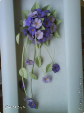 Учебная работа. Тоже нежная, поэтому нравится. На фоне моих любимых домашних цветов. (Фото искажает цвет - на самом деле букетик двух оттенков сиреневого.) фото 3