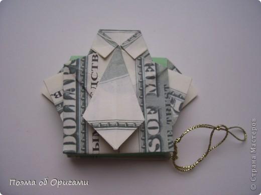 Слово «дорогая» в названии мастер-класса можете трактовать на Ваше усмотрение. Но вот то, что это действительно блокнот, позволяющий записать достаточно много полезной информации – однозначно! В этой работе показано последовательность складывания рубашки из банкноты двумя способами: один обычный и другой – рубашка с галстуком. фото 55