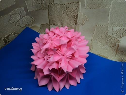 Цветочки -упрощенные маргаритки ,убрала пару сложений . фото 1