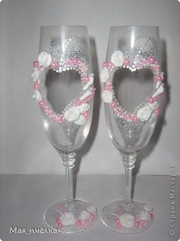 А это моя вторая попытка в оформлении свадебных бокалов. Попыталась выполнить их только в белом цвете фото 2