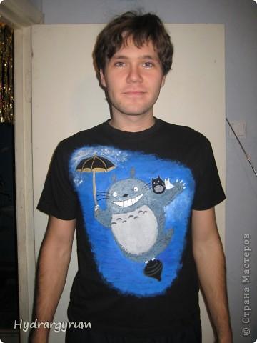 Вот такую футболку я разрисовала акрилом для мужа фото 1