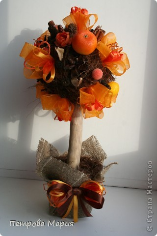 """Не очень удалась форма сердца у кроны дерева. Декор для дерева сделан из китайских колокольчиков """"песнь ветра"""" фото 7"""