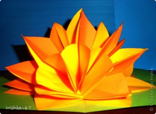 Цветок выполнен как в предыдущем МК, только лепестки поострее. фото 5
