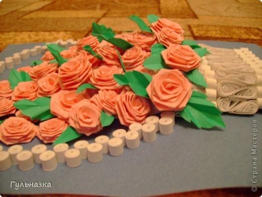 Вот такая корзиночка с розами. Закончала только что и не удержалась захотелось похвастаться))))))))))))))) Рамки пока нет. фото 3