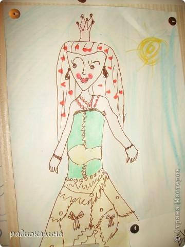 Все девочки сейчас  любят мультфильмы о похожденях волшебниц Винкс и поэтому моя внучка всем нам рисует этих кукол. Это Лейла. фото 9