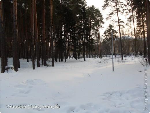 На территории детского сада обнаружили хороший снежный городок для малышни.Горка-печка,отделка- ткань.Выглядит ярко и красиво. фото 15