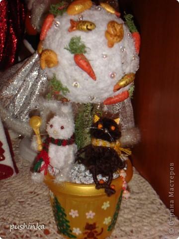 Это новогоднее дерево с символами года мне мама сделала в подарок. фото 1