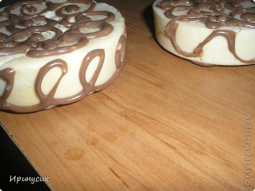 Вот такое мыло с шоколадными завитушками у меня получилось сегодня. фото 13