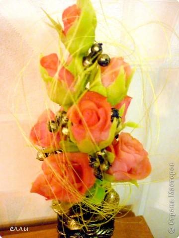 Очередная вазочка с розами(бутылочка из под тонального крема) фото 2