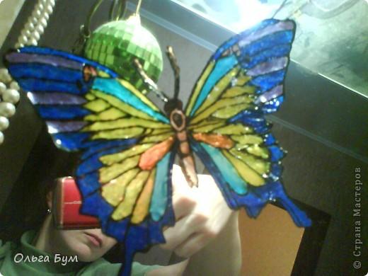 """Зима-зима-зима!!! А вот посмотрела на чудо http://stranamasterov.ru/node/134297#comment-1021598 и уже хочется лета! Однажды мы нарисовали обыкновенные детские витражи на нашем зеркале. И зимой они, по-моему, очень кстати - напоминают, что БУДЕТ-БУДЕТ ЛЕТО! """"Зимою - лета, осенью -весны..."""" Они сделаны по чудесной книжке-раскраске, которую по счастливой случайности повезло преобрести! Больше таких красивых раскрасок я в """"раскрасках"""" не встречала.  фото 2"""