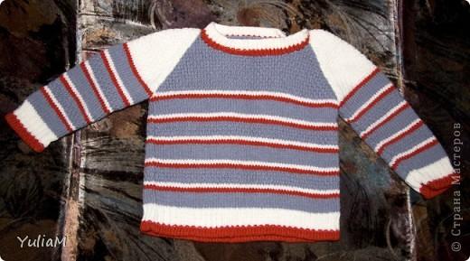 """Здравствуйте! За последнее время связала сынишке три свитерочка. Вот они. Все модели взяты из журнала """"Сабрина. Вязание для детей"""". Если кто-то заинтересуется, поделюсь схемами обязательно  Это наш любимый оливковый пуловер из мериносовой шерсти фото 3"""