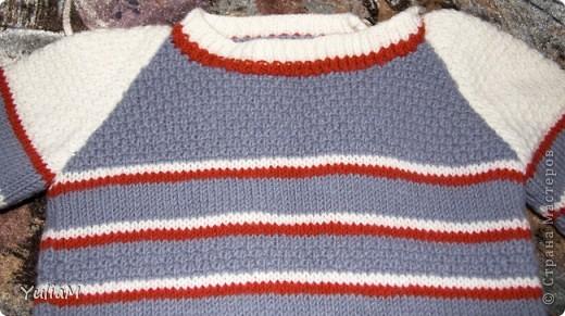 """Здравствуйте! За последнее время связала сынишке три свитерочка. Вот они. Все модели взяты из журнала """"Сабрина. Вязание для детей"""". Если кто-то заинтересуется, поделюсь схемами обязательно  Это наш любимый оливковый пуловер из мериносовой шерсти фото 4"""