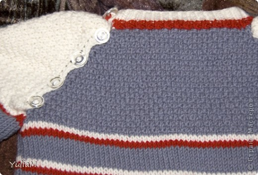 """Здравствуйте! За последнее время связала сынишке три свитерочка. Вот они. Все модели взяты из журнала """"Сабрина. Вязание для детей"""". Если кто-то заинтересуется, поделюсь схемами обязательно  Это наш любимый оливковый пуловер из мериносовой шерсти фото 5"""