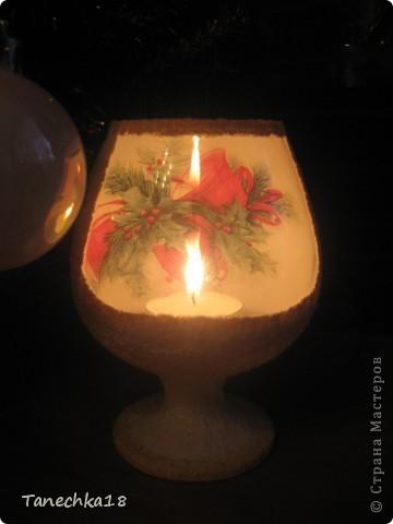 Вот такой новогодне-рождественский подсвечник я подарила мужу, только все никак руки не доходили выложить фото. Это он в действии, так сказать.  фото 1