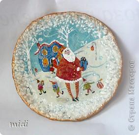 Основа тарелка из папье-маше, сверху салфеточка, дорисовка акриловыми контурами, краской, с оборота яичная скорлупа фото 1
