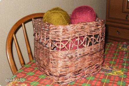 И мне для клубков плетеночку захотелось. Но сколько не плети, все для этого добра места будет мало. фото 1
