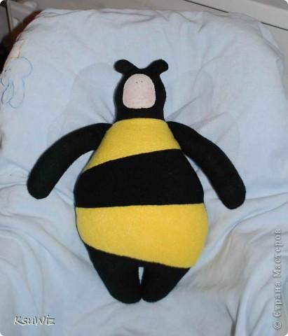 Доброе время суток! Наконец-то и я вошла в круг Тильдо-мастериц =) Почему-то решила что пчела это самое простое, в итоге получился такой вот пузанчик =) фото 1