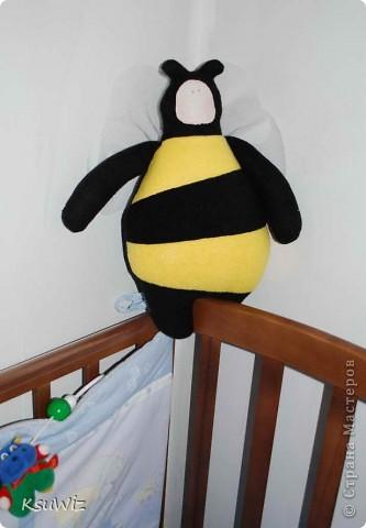 Доброе время суток! Наконец-то и я вошла в круг Тильдо-мастериц =) Почему-то решила что пчела это самое простое, в итоге получился такой вот пузанчик =) фото 3
